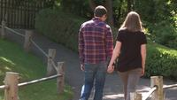 Gratis Par Holding Hands Stock Video i HD