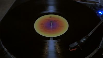 Vinyl Record Player Loop in 4K