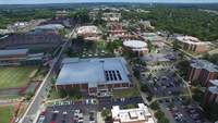 Campus universitaire drone footage