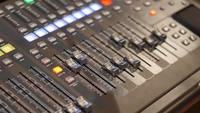 Interruptores en la placa de sonido que se mueve remotamente HD