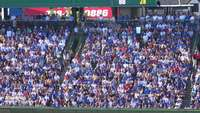 Wide Shot of Cubs Fans op Wrigley Field HD