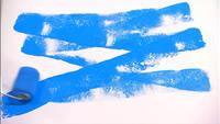 Rouleau de peinture bleu