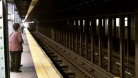 Video Express subway train to lower manhattan (17 seconds)