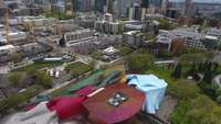 Drone Footage Door Seattle, WA in de buurt van de Space Needle