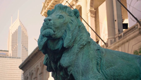 Gros plan d'une sculpture de lion à l'extérieur de l'Art Institute of Chicago