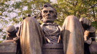 Extreme close-up van zittende Lincoln standbeeld in Grant Park Chicago