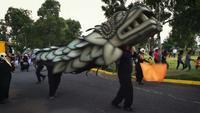 Stedelijk Circus met Quetzalcoatl Costumen In Park G56533