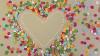 Coração de confete