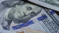 Giro de material de archivo de $ 100 billetes - DINERO 0139