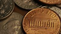 Vídeo de filmagem rotativa de moedas monetárias americanas - dinheiro 0319