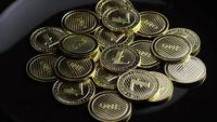 Roterande skott av Bitcoins (digital cryptocurrency) - BITCOIN LITECOIN 312