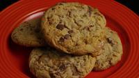 Tournage cinématographique et rotatif de biscuits sur une assiette - COOKIES 337