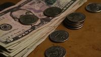 Plano giratorio del dinero estadounidense (moneda) - DINERO 558