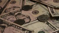 Roterend schot van Amerikaans geld (valuta) - GELD 560