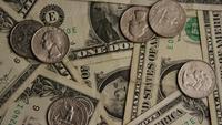 Tiro giratorio de dinero estadounidense (moneda) - DINERO 533