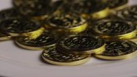 Roterende opname van Bitcoins (digitale cryptocurrency) - BITCOIN 0319