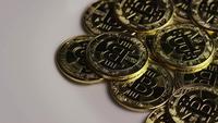 Roterende opname van Bitcoins (digitale cryptocurrency) - BITCOIN 0302