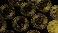 Roterende opname van Bitcoins (digitale cryptocurrency) - BITCOIN 0029