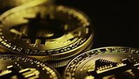 Roterande skott av Bitcoins (digital cryptocurrency) - BITCOIN 0047