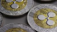 Drehende Aufnahme von Ripple Bitcoins (digitale Kryptowährung) - BITCOIN RIPPLE 0013