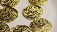 Tiro rotativo de Bitcoins (cryptocurrency digital) - BITCOIN 0144