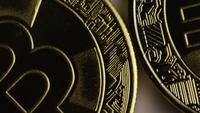 Roterende opname van Bitcoins (digitale cryptocurrency) - BITCOIN 0253