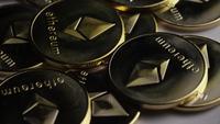 Roterande skott av Ethereum Bitcoins (Digital Cryptocurrency) - BITCOIN ETHEREUM 0041