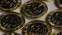Roterende opname van Bitcoins (digitale cryptocurrency) - BITCOIN 0264
