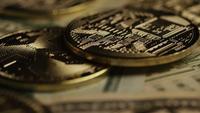 Tiro giratorio de Bitcoins (criptomoneda digital) - BITCOIN MONERO 224