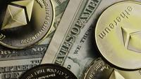 Plan tournant de Bitcoins (crypto-monnaie numérique) - BITCOIN ETHEREUM 200