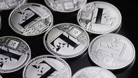 Roterande skott av Bitcoins (digital cryptocurrency) - BITCOIN LITECOIN 451