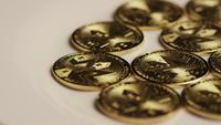 Roterande skott av Bitcoins (Digital Cryptocurrency) - BITCOIN MONERO 034