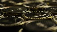 Roterande skott av Bitcoins (digital cryptocurrency) - BITCOIN LITECOIN 295