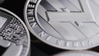 Roterande skott av Bitcoins (digital cryptocurrency) - BITCOIN LITECOIN 522