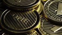 Roterande skott av Bitcoins (digital cryptocurrency) - BITCOIN LITECOIN 324