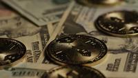 Plan tournant de Bitcoins (crypto-monnaie numérique) - BITCOIN MONERO 180