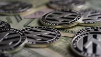 Roterande skott av Bitcoins (digital cryptocurrency) - BITCOIN LITECOIN 622