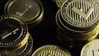 Roterande skott av Bitcoins (Digital Cryptocurrency) - BITCOIN LITECOIN 351
