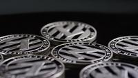 Foto giratoria de Bitcoins (criptomoneda digital) - BITCOIN LITECOIN 407