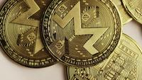 Roterende opname van Bitcoins (digitale cryptocurrency) - BITCOIN MONERO 094