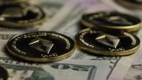 Disparo giratorio de Bitcoins (criptomoneda digital) - BITCOIN ETHEREUM 221