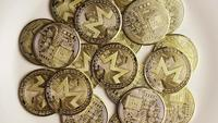 Tiro giratorio de Bitcoins (criptomoneda digital) - BITCOIN MONERO 088