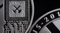 Drehende Aufnahme von Bitcoins (digitale Kryptowährung) - BITCOIN LITECOIN 510