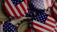 Foto giratoria de tapas de botellas con la bandera americana impresa en ellas - BOTTLE CAPS 027