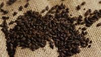 Roterande skott av korn och andra ölbrödningsingredienser - ÖRBRÄNGNING 200