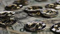 Plan tournant de Bitcoins (crypto-monnaie numérique) - BITCOIN RIPPLE 0249
