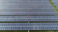 Vista aérea de la granja de células solares,