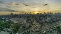 Lapso de tempo da noite para o dia: nascer do sol da manhã em Bangkok