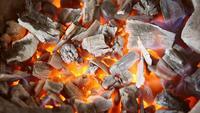 Kohlen in Flammen