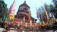 Templo de Wat Lokmolee em Chiang Mai, Tailândia (por lente olho de peixe)